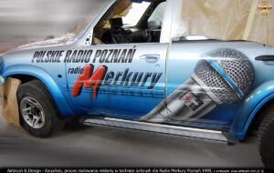 Proces malowania reklamy na samochodzie Radia Poznań 1999.
