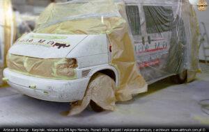 Proces malowania reklamy na VW Transporter T4 dla GM Agro Mamuty.