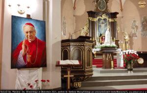 Kościół św. Marcina i św. Wincentego w Skórzewie 2021 r. portret bł. Stefana Wyszyńskiego po uroczystościach beatyfikacyjnych.