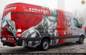 Projekt i wykonanie reklamy w technice airbrush IronMan na samochodzie firmy Lars 2011 r.